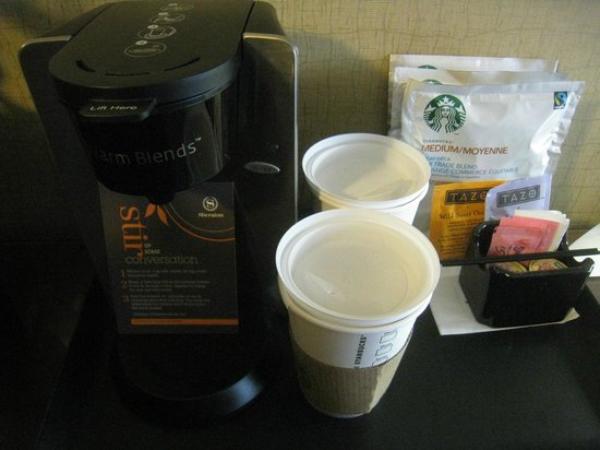 Sheraton Palo Alto Hotel:                   コーヒーセット