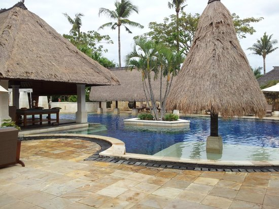 Rama Beach Resort and Villas:                                     Pool