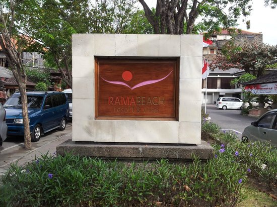 ‪‪Rama Beach Resort and Villas‬:                                     Front sign