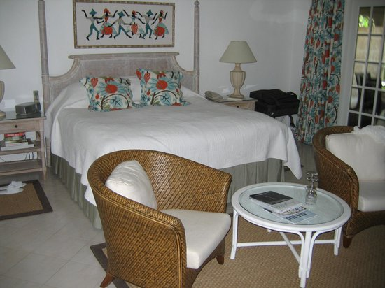 Coral Reef Club :                   bed