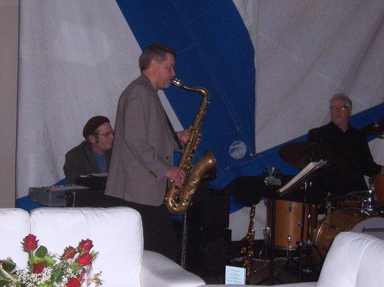 Ada, MI:                   The West Coast Trio entertains