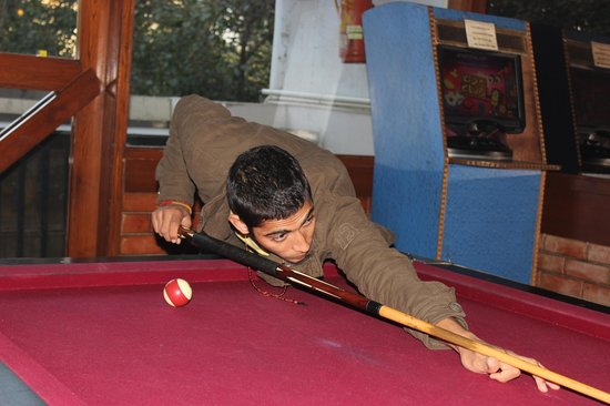 Hot Millions:                   me < Lucky Vashist> plAying pool at H.M2