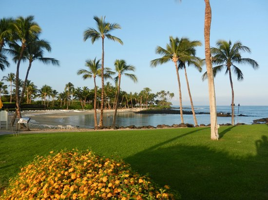 Fairmont Orchid, Hawaii:                                     Hotel''s beach and swimming/snorkeling/kayaking lagoon (with