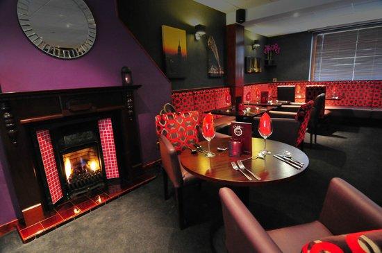 The Black Watch Bar and Croft Restaurant: Restaurant Fireplace
