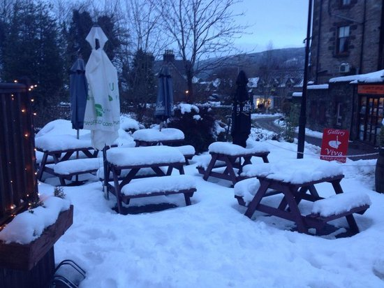Pitlochry Backpackers Hotel: snowy pitlochry