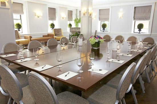 Hotel Wales: Carnegie Lounge- Meeting Set
