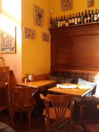 Cantina del Convento : I tavoli
