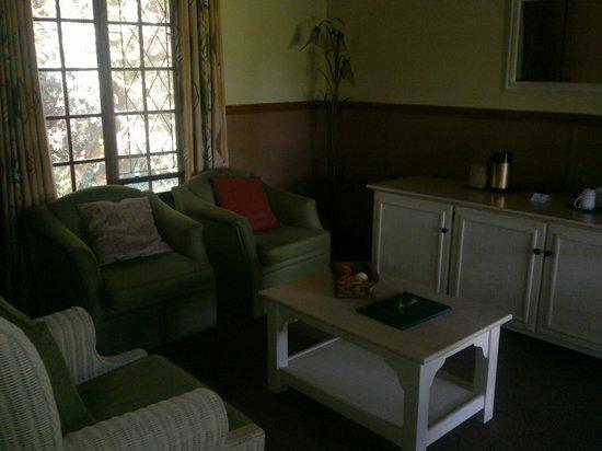 Gooderson Bushlands Game Lodge :                                     Wohnzimmer