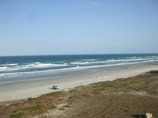 Holiday Inn Resort Daytona Beach Oceanfront:                   View from balcony