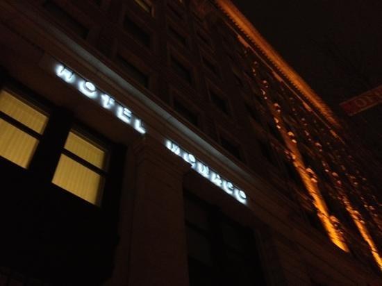 موناكو فيلادلفيا إيه كيمبتون هوتل:                   hotel exterior                 