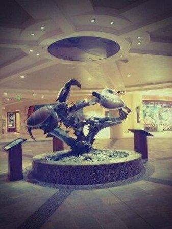 Sheraton Waikiki:                   ホテル入口