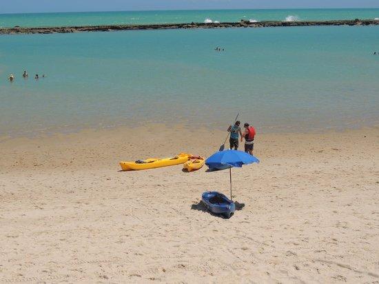 Village Barra Hotel:                   Praia em frente ao hotel