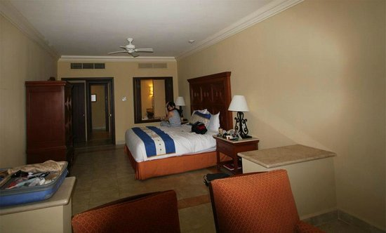 Pueblo Bonito Sunset Beach Golf & Spa Resort:                   Bedroom Super Executive Suite