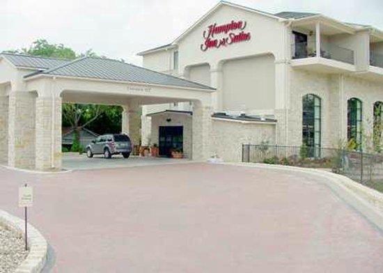 Hampton Inn & Suites Fredericksburg: Hotel