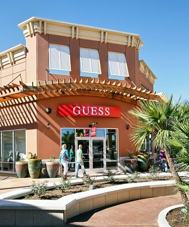 Tanger Outlet Texas City. The Tanger Outlet Texas City is an fairly new outlet mall, which opened its doors late Located just outside of Houston in Galveston County, Texas and considered to be a premier shopping experience for all guests.