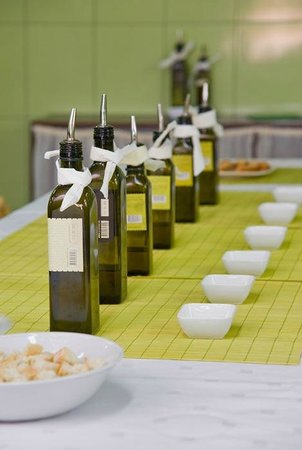 ‪Olynthia Olive Oil Tour‬