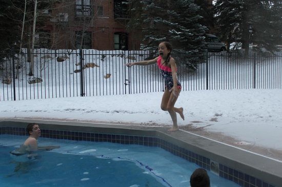 Silver King Hotel:                   Swimming outside in February!