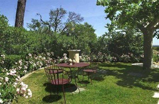Chateau de Nans: le jardin
