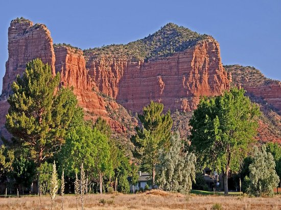 The Views Inn Sedona:                   Courthouse Butte from near the Views Inn