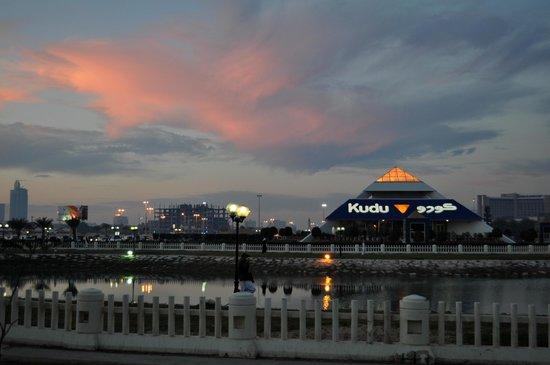 Corniche:                   Закат на корнише