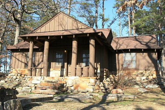 Morrilton, AR:                   Dog-friendly cabin 17