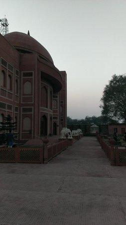 Kalakriti Cultural & Convention Center :                                     Entrance