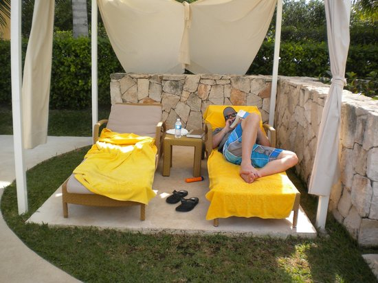 Iberostar Grand Hotel Paraiso:                                     Pool chairs