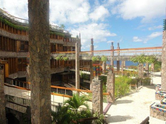 Jade Mountain Resort: vista del hotel