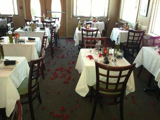 Angelina's Ristorante & Wine:                   Angelinas at Valentines Day