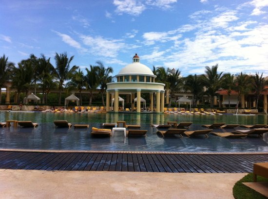 Iberostar Grand Hotel Paraiso:                                     Main pool