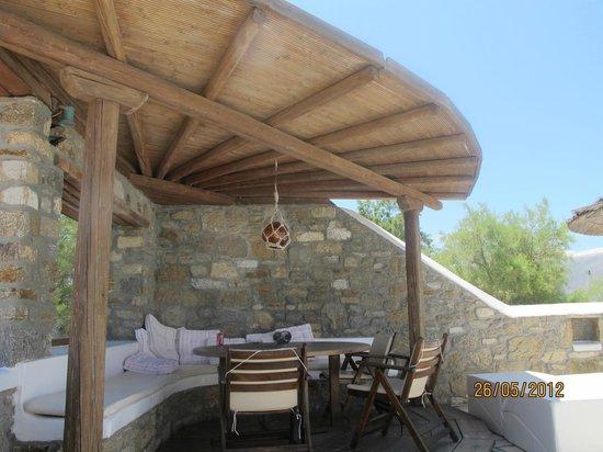 A Hotel  Mykonos:                   un angolo della piscina
