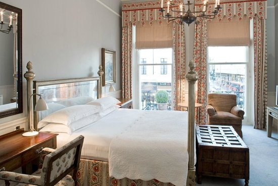 The Pelham Hotel: King Suite