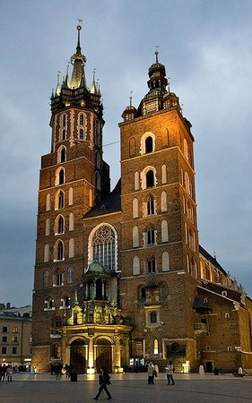 St. Mary's Basilica in Krakow:                   Uneven towers