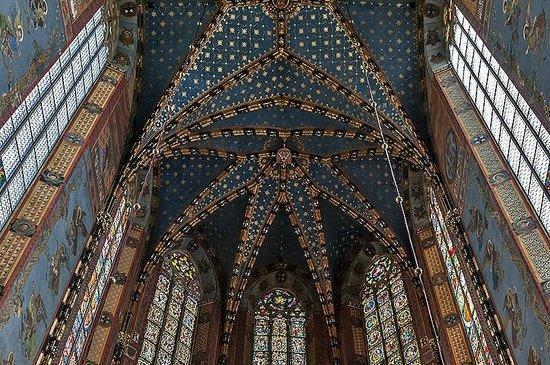 St. Mary's Basilica in Krakow:                   Vault over high altar