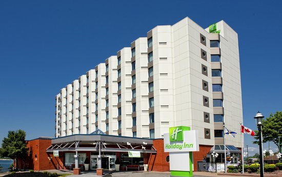 Holiday Inn Sydney Waterfront: Day Exterior