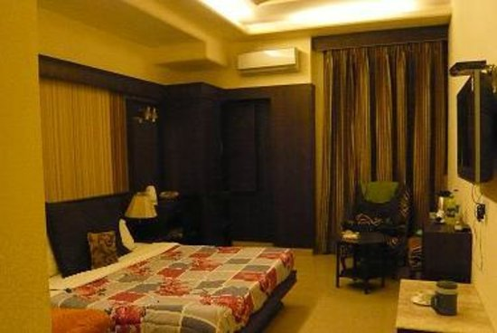 Hotel CJ International:                   Superior room 1