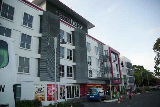 Favehotel Cenang Beach:                   Front door