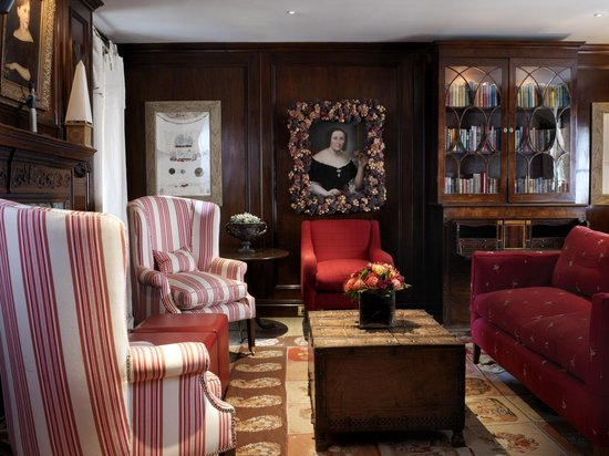 The Pelham Hotel: The Library