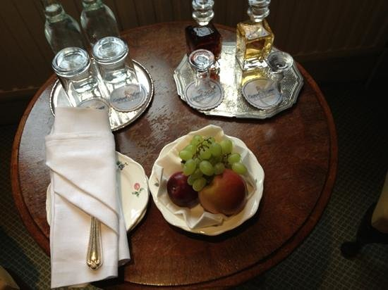 Eastwell Manor:                   welcoming refreshments