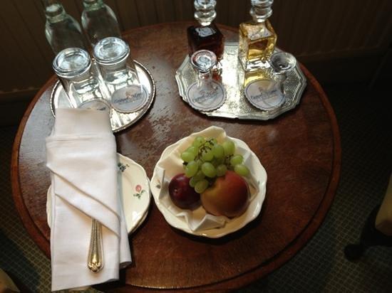 إيستويل مانور:                   welcoming refreshments                 