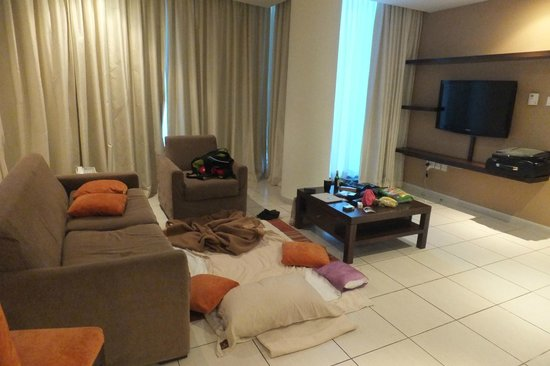 Abidos Hotel Apartment - Al Barsha:                                     living
