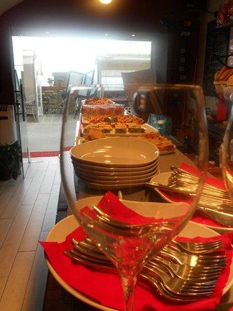 Le Delizie di Carmen: Risto-gastronomia, mangi qui o porti via......