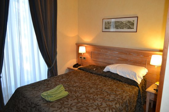 Green Hotel Poggio Regillo:                   lit de la suite