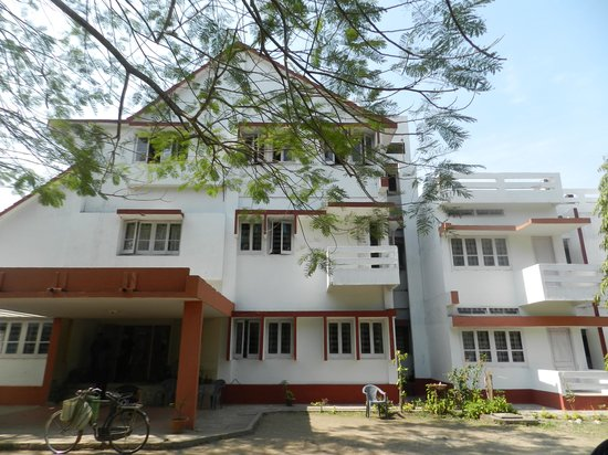Bansbari Lodge:                   Front view