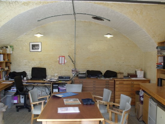 ‪‪Landguard Fort‬:                   Operations room.