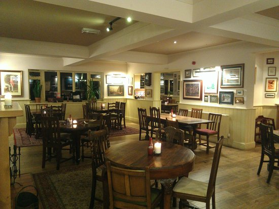 THE FOX AND HOUNDS, Shawbury
