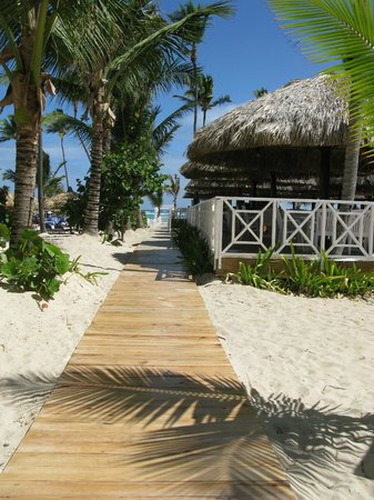 Luxury Bahia Principe Esmeralda Don Pablo Collection:                   The very welcome boardwalk