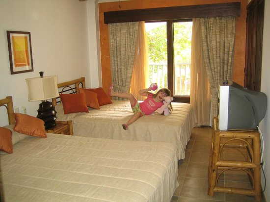 Tranquility Bay Antigua:                   2nd room with 2 double beds