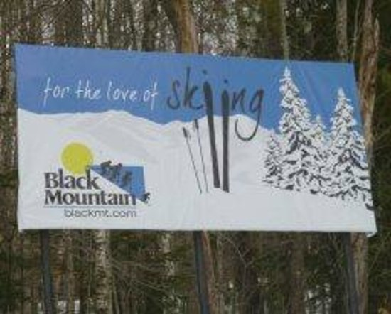 Black Mountain sign on the drive up