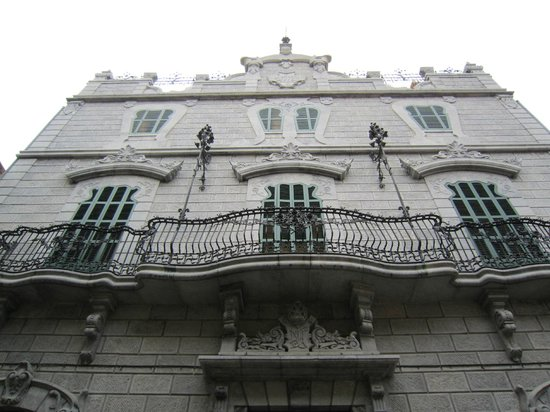 House front. : fotografía de Museu Modernista Can Prunera, Sóller - TripAdvisor